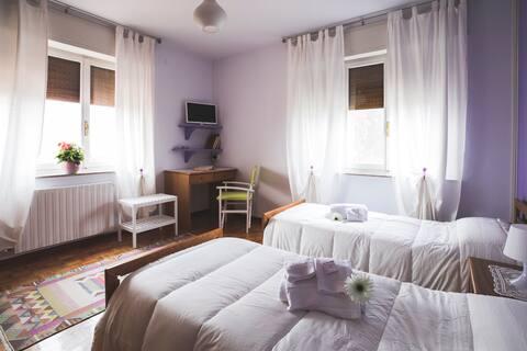 B&B Vanilla a room with shared bathroom, breakfast