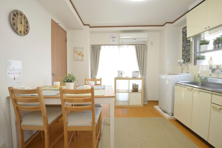Roomy Clean Apartment  6 minutes to Shinjuku TM#21