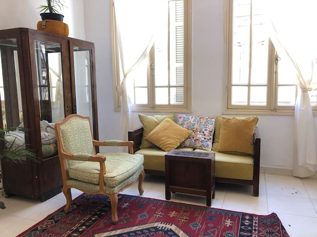 Old Jaffa- Historic apartment by the sea.