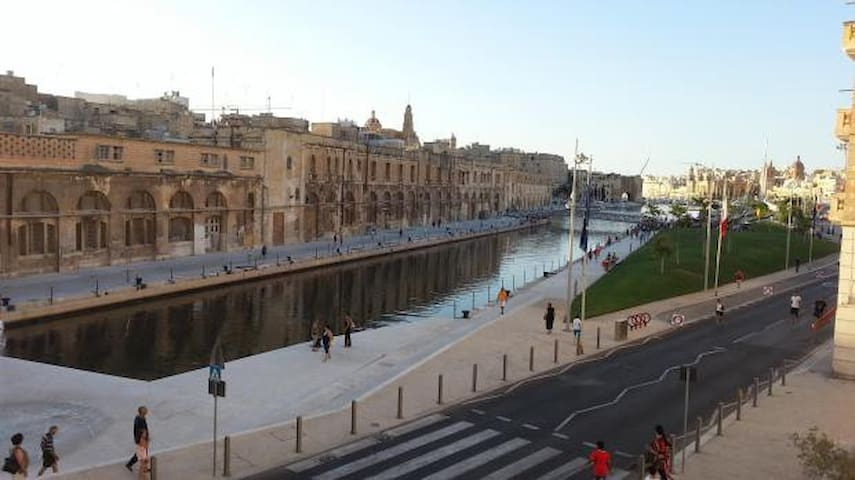 Cospicua Waterfront