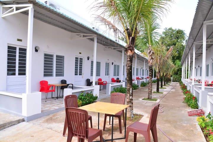 Hồng Xuân Motel -Save money to Phu Quoc