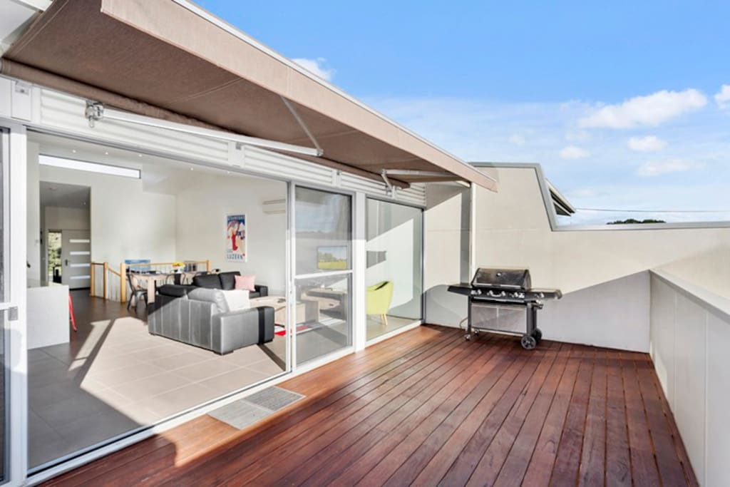 Sunny balcony with BBQ & electric awning