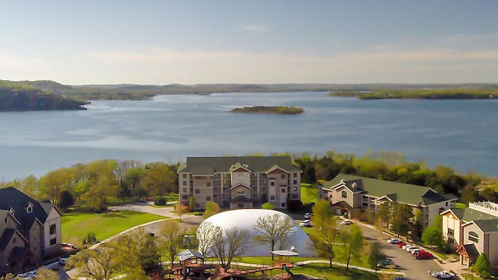 2br - 1400ft - Table Rock Lake Branson 4th of July