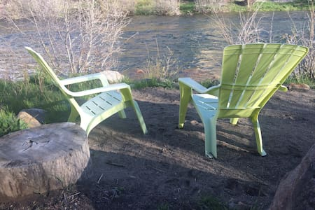 Cozy getaway on the Truckee River - Apartamento