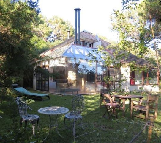 Charming Villa in Quinta da Marinha, Cascais - Cascais - House