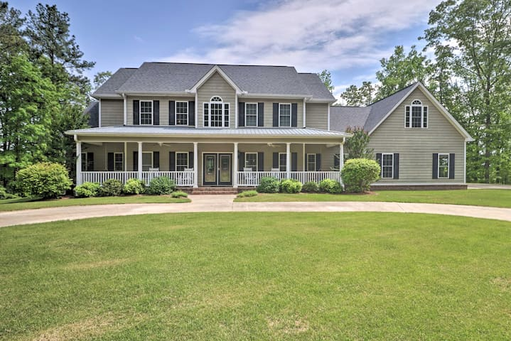 NEW! Muscadine Home By Fishing Lake w/Private Pool