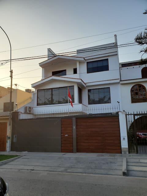 Departamento en La Molina, Santa Patricia 3er piso