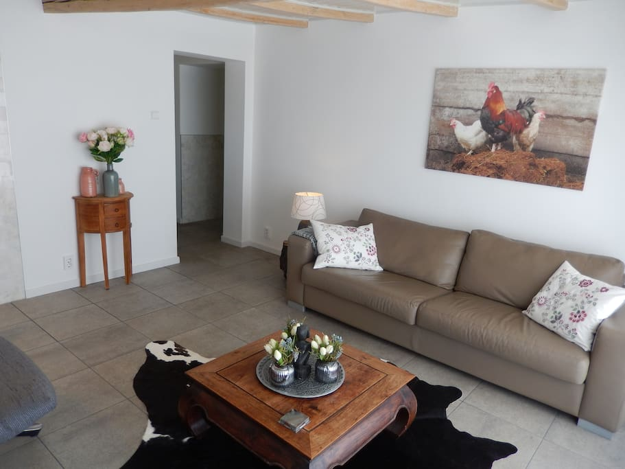 Livingroom, TV and WIFI
