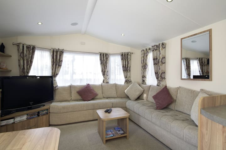 Edinburgh - Seton Sands - Rio Caravan-Pet Friendly