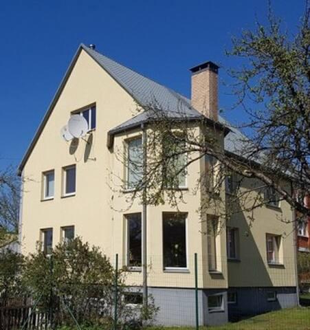 Люкс апартаменты 2 комнаты с кухней  100м2. - Riga - Hus