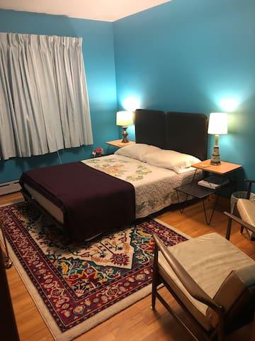 Private Modernist Room