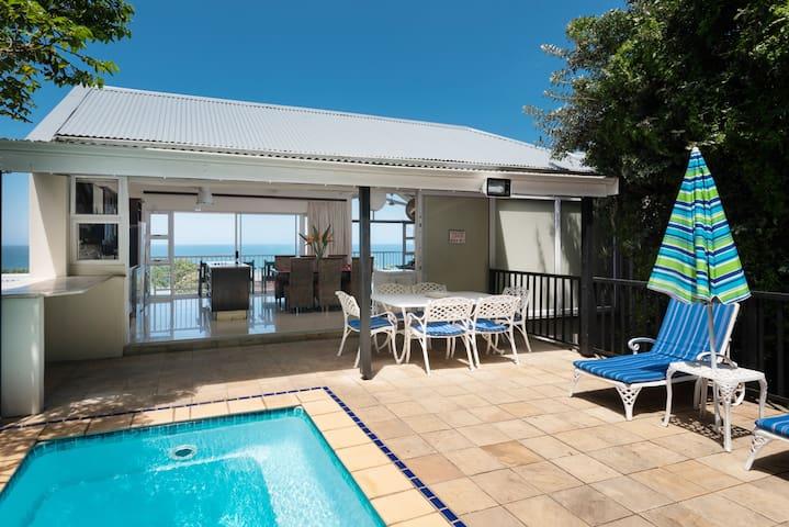 Beachhaven: Sea views, Pool, Golf, Wifi, Air-con.