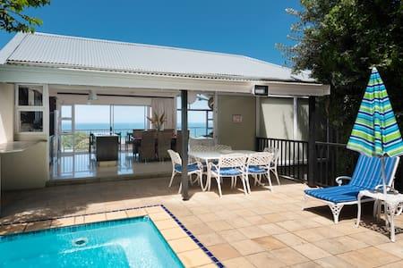 Beachhaven: Sea views, Pool, Golf, Wifi, Air-con