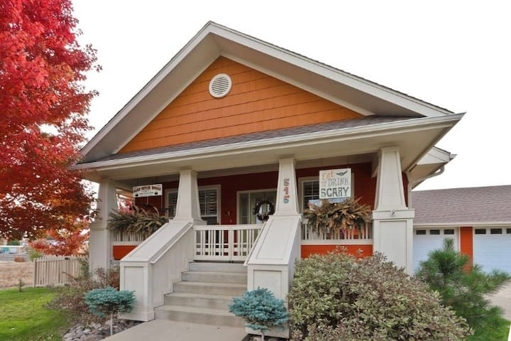 Quirky Longmont Craftsman Near Downtown