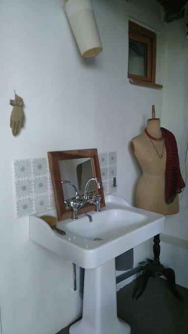 private sink