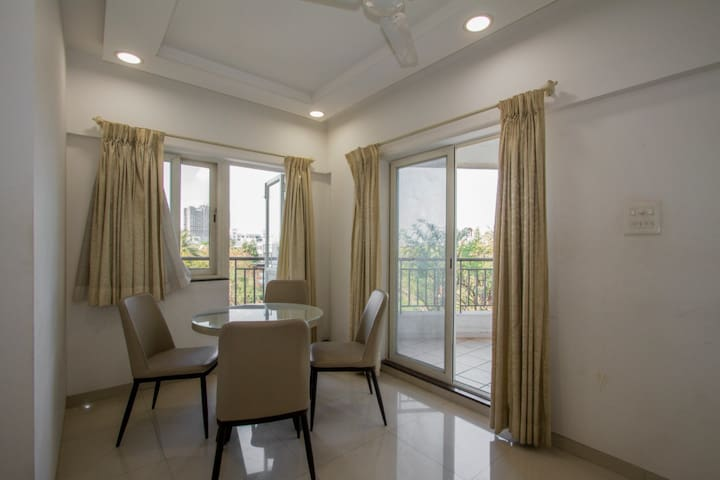 2BHK Furnished Flat in Ghorpadi (B.T.Kawade Road)