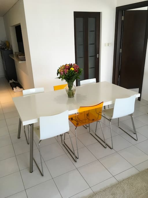 Designer table with 6 chairs