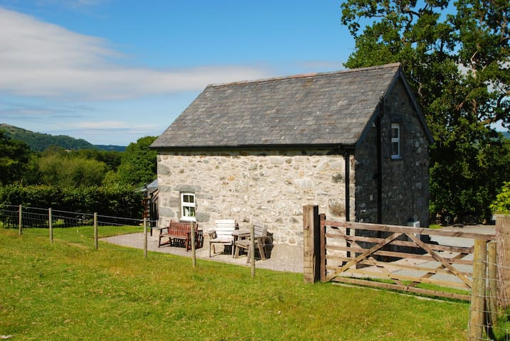 The Granary   Great Escapes Wales