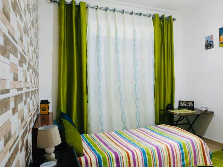 Private room&bathroom+Airport pick up(extra fees)