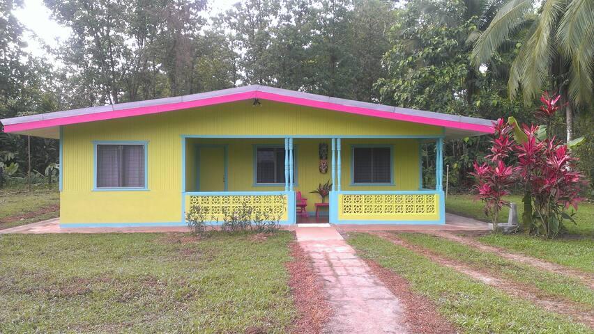Cinco Ceibas Lodge & Rainforest Reserve