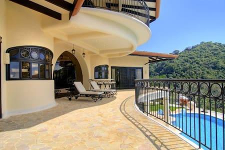 Luxury villa - Jaco