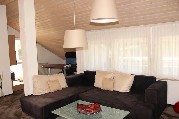 Möblierte 2,5-Zimmer-Wohnung bei Weinsberg