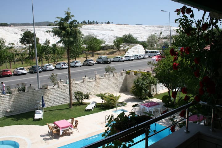 HOTEL HAL-TUR Triple Room with Pamukkale View