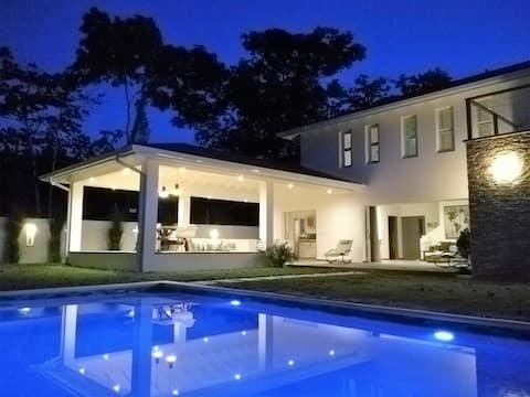 Villa Riviera 2 - Terrasse et piscine