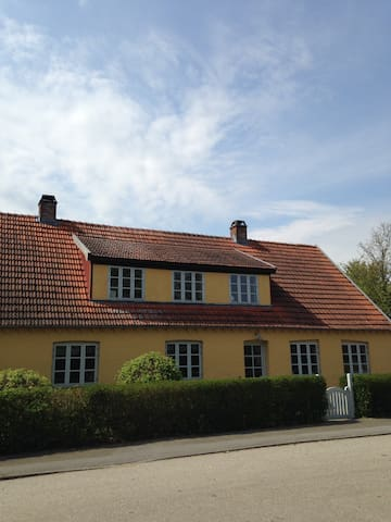 Kirke Eskilstrup Bed and Breakfast