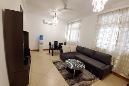 Secure 1 Bdr Apt with Pool and Gym:  Unit 10