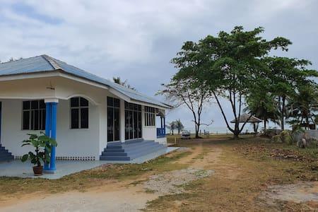 ALA Beach Lodge Homestay 2