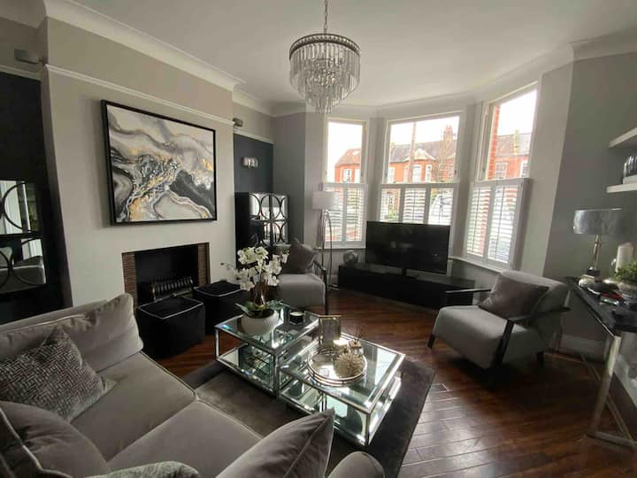 Splendid luxury finished Victorian House ,London