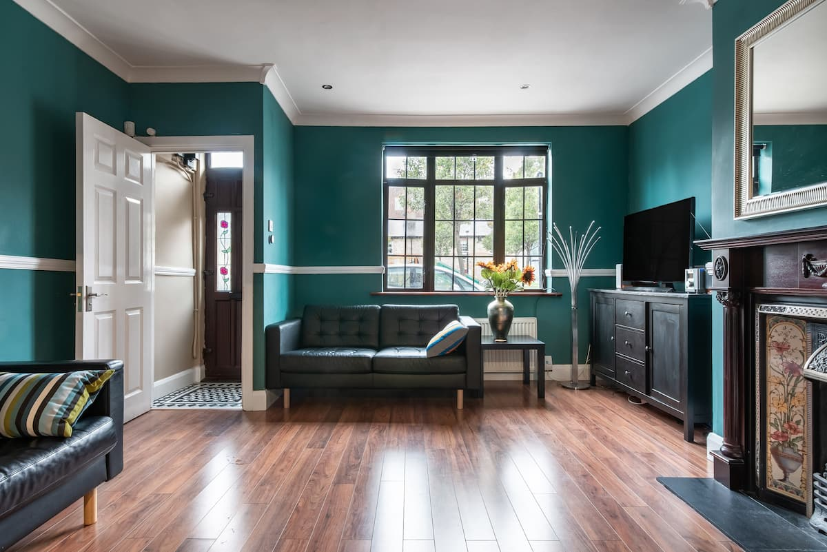 Family-Friendly Victorian Townhouse in an Ancient Square