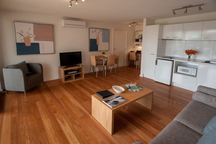 One Bedroom Apartment at Luxury Anglesea Hotel