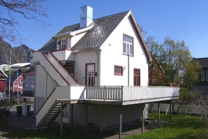 Villa Svolvær medium studio