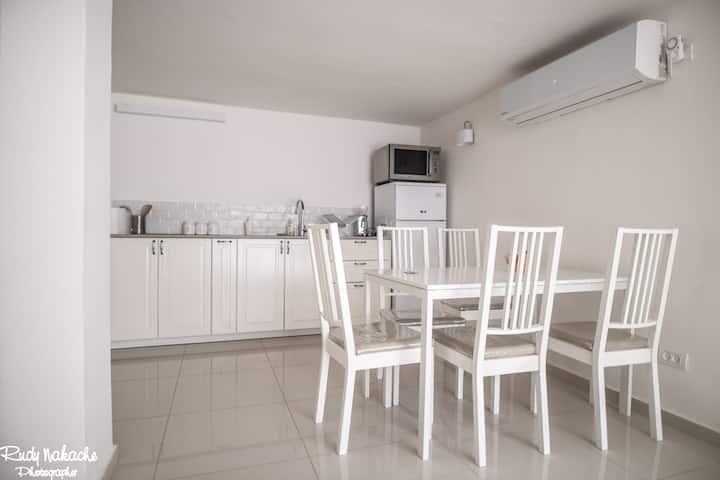 3-room cosy place, 15 min from Caesarea and beach