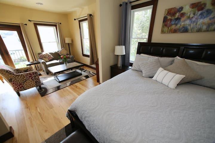 Downtown Elkhart Lake - The Getaway Suite