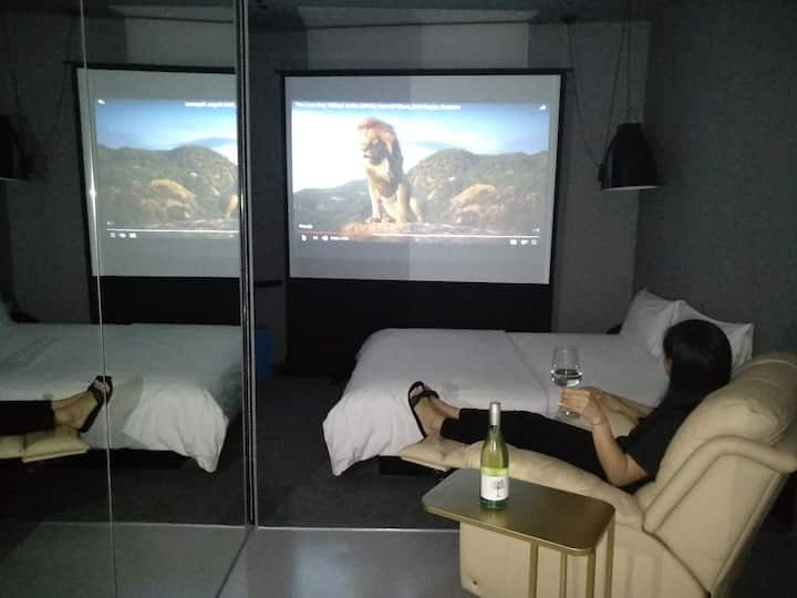 XY Hotel Bugis - 101 Movie Suite (No Window)