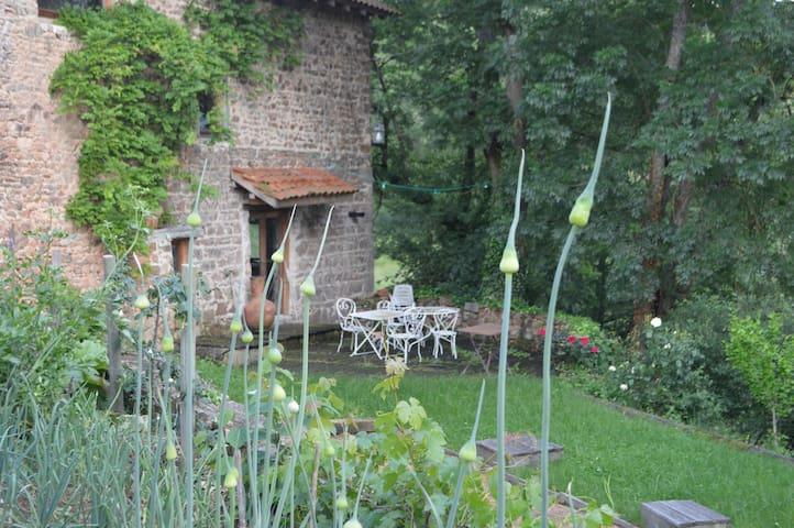 logement atypique - Saint-Marcel-de-Félines