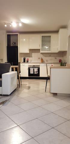 Petit appartement chaleureux en  pleincentre-ville