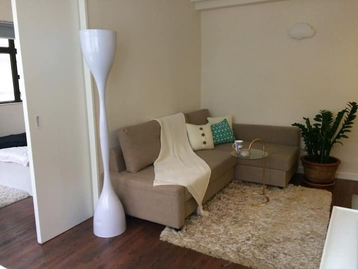 Bright, Airy flat in Trendy, Central Sheung Wan.