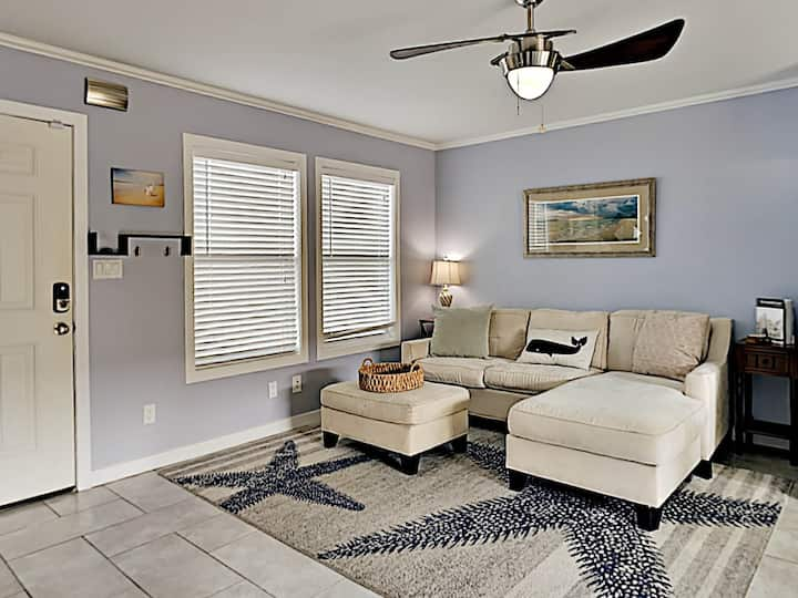 Ground Floor Condo with Easy Access to Beach. Updated Throughout!