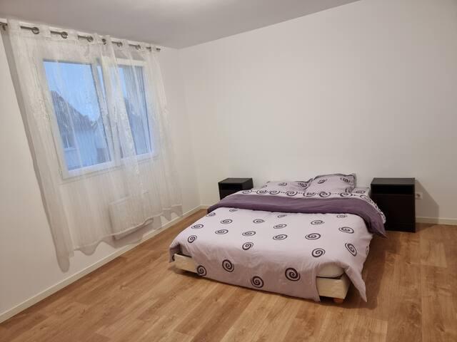 Chambre 2 avec lit 160×200cm