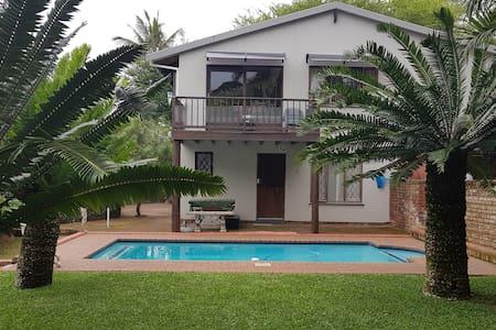 Tropical Uvongo Hideaway