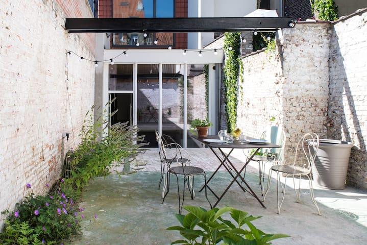 Duplex St-Gilles - 40m2 courtyard - Saint-Gilles - Pis