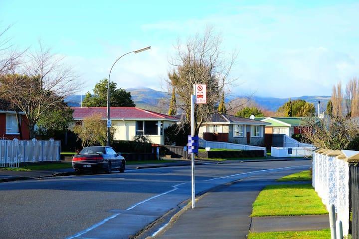 Warm Comfortable Feel Like Home - Christchurch