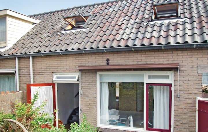 Awesome home in Egmond Aan Zee with WiFi and 1 Bedrooms