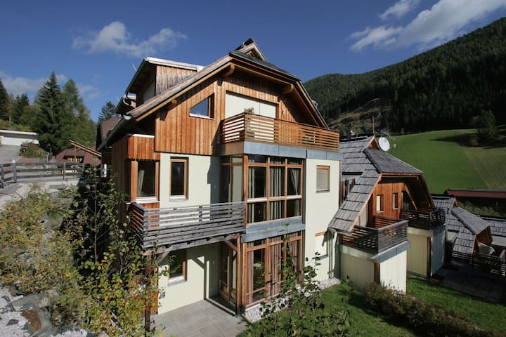 Spacious Apartment near Ski Lift in Bad Kleinkirchheim