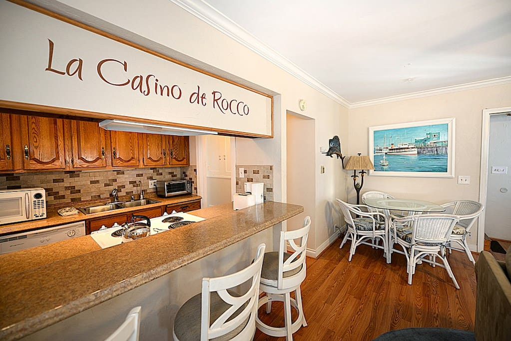 Living Area Bar & Dining