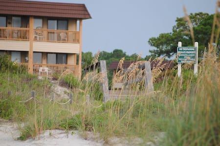 Oceanfront 1BR Condo Hilton Head SC - Condominium